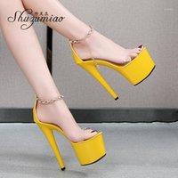 Shuzumiao 2021Summer Yeni Kadın Ayakkabı Su Geçirmez Platformu Sandalet Şeffaf Kelime Yüksek Topuklu 16.5 cm Stiletto Model Patwalk Shoes1