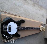 Black 4 Strings Music Man Hombre Stingray Bass con 9V Batería Amplificador Circuito Circuitos Activos Pickups Guitarra eléctrica