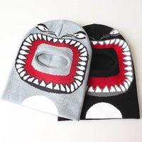 Bebek Çocuk Erkek Kız Köpekbalığı Yüz Karikatür Beanie Kış Şapka Yeni Komik Kazma Delik Sıcak Kayak Tuque Bonnet Örme Beanie Earmuffs Cap E122502