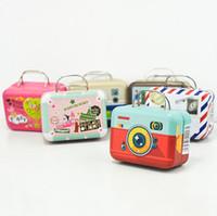 100pcs 75 * 35 * 55mm Petit étain Partie vintage rectangle à main sacs à sacs à bagages en forme de bagages Boîte à bonbons Faveur de mariage Boîtes cadeaux SN1909