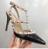 مصمم عارضة مثير أزياء سيدة نساء العلامة التجارية الأزياء المسامير نقطة اصبع القدم الكاحل Strappy الكعوب العالية والعروس حذاء الزفاف