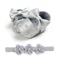 Baby-Schuh-Stirnband Set nette Herz-Prinzessin Weiches Breathable Kleid-Schuhe PU-Leder-Blume Hairband für Infant Newborn