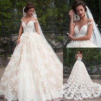Fantástica Tul Bateau escote de bola vestidos de novia vestido con apliques de encaje vestidos de novia Champagne Q1112