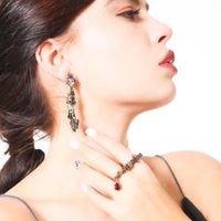 스터드 고딕 귀걸이 여성 두개골 크라운 성격 여자 고트 고스 고스 보석 액세서리에 대 한 야생 작은 손