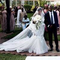 2021 Plus Size Sirène Robes de mariée sud-africaine Encolure dentelle robe de mariée Glamorous appliques sexy de mariée robes de mariée