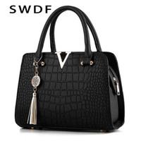 SWDF Krokodil Leder Frauen Tote v Buchstaben Designer Handtaschen Luxus Qualität Dame Schulter Crossbody Taschen Fransen Messenger Bag Q1230