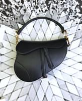 Borsa da sella della borsa della borsa del progettista femminile Pelle genuina di alta qualità con la borsa a tracolla del ciondolo del portafoglio della tracolla della tracolla Borsa a tracolla del pendente del metallo