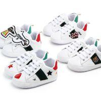 Bebek Ayakkabıları Yenidoğan Erkek Kızlar Kalp Yıldızı İlk Yürüteçler Beşik Ayakkabı Çocuklar Dantel Up Pu Sneakers Prewalker Sneakers