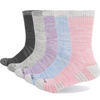 YUEDGE Марка 5 пар Подушки женщин Хлопок Дышащих влаги Впитываемость Симпатичный Красочный спорт Спортивные Походные Crew платье носки 201027