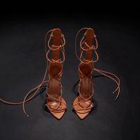 Chaussures de designer 2020 NOUVEAU MODE GLADIATEUR Sandales pointues orteils Stiletto talon chic sandales micro daim hauts talons femmes chaussures de fête
