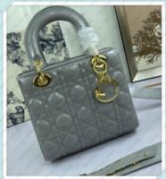 2021 Weesale женщины роскоши дизайнеры сумки классические женские сумки на плечо женщины сумка для крестообразования леди сумки 21010602Q