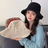 Новая мода Вязаная Женщины Hat осень зима теплая Пряжка Hat Сплошной цвет Все матча Девушки Fisherman Cap бассейна Cap