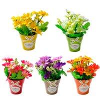 Flores decorativas Guirnaldas Crisantemo Falso Flor con jarrón de plástico Bonsai Artificial Artificial para la fiesta de bodas Decoración de la casa de campo