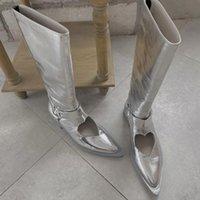 Botas de plata rodilla de plata altas tacones bajos corazón hueco hueco de punta puntiaguda zapatos knight elegante M20