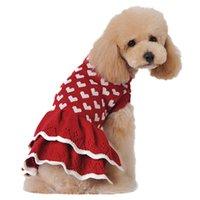 الوردي شكل قلب الكلب الملابس الدافئة الأحمر سترة مهرجان سعيد السنة الجديدة الحيوانات الأليفة سترة الخريف الشتاء تنورة جودة عالية حار بيع 16BX M2