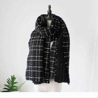 gruesa dama caliente suave de lujo del diseñador del invierno de las mujeres de la bufanda con la borla mantón de los 200cm * 65cm manta blanca a cuadros negro acogedor cuadros de largo