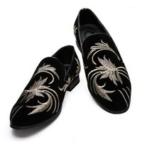 QUAOAR Embroidery Ethnic style Loafers Men Moccasins Slippers Black suede Men's Dress Shoes Party Wedding Flats Casual Shoes1