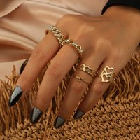 New simple and fashionable metal texture niche design sense set ring New European and American hollow heart-shaped diamond 5-piece set ring