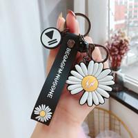 Fleur Keychain pour les femmes en silicone Trinket Charms Daisy Chain Sacs fille Porte-clefs Bijoux cadeau Porte-clés Sac voiture Pendentif S186