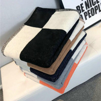 130 * 180 cm letra cashmere blanket crochet soft lã xale portátil mamífero xadrez sofá viagem lã de malha lance capa cobertores 5 cores