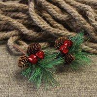 Baies artificielles en plastique Feuille de pin Pomme de pin naturel Boule de Noël Arbre de Noël Cadeau de mariage Boîte Couronnes Artisanat Décoration GGE1893