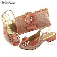 Neueste Pfirsich Hochzeit Kupplung Tasche Match Afrikanische Frauen Schuhe Weiche Ferse Matching Set Italienische Schuhe und Tasche 38-43 Wenzhan -19 LJ201112