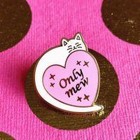 Pins, spille Kawaii solo mew cat cat hard smalto perno animale cartoon animale a forma di cuore gatti bianco medaglia spilla moda risvolto zaino zaino decorazioni