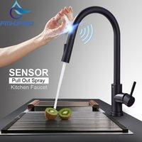Fâmulas de cozinha FMHJFISD Faucets Preto Toque Inteligente Indutivo Misturador Torneira Torneira Torneira Única Modos de Água Dual Outlet T200710
