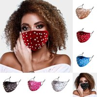 2020 Nuevo diseñador de moda Rhinestone Perlas mascarilla de invierno cálido terciopelo boca cubierta de polvo Haze anticontaminación de mascarillas