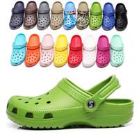 2021 جديد وصول الأزياء الانزلاق على سقاصات الشاطئ عارضة أحذية للماء الرجال الكلاسيكية التمريض قباقيب مستشفى النساء النعال العمل الصنادل الطبية
