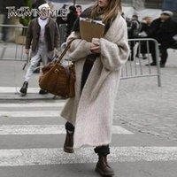 TWOTWINSTYLE Örme Koreli Kadın Kazak V Yaka Batwing Sleeve Kalın Kadın Hırkalar Sonbahar Moda Yeni Giyim 201023 Isınma