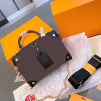 Femmes Femmes Luxurys Designers Sacs 2021 Chaussures de marque Vieux Fleur Fleur De Petite Taille Bandoulière Tote Boîte Boîte Classic Véritable Portefeuille en cuir