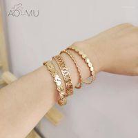 Charme Pulseiras Aomu 2021 Geométrica Irregular Weave Recorte Doudou Onda Golden Metal escovado C Forma abertura pulseira para mulheres festa jóias