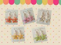 Einzigartige Design-Ausschnitt Rose Blumendruck Leder Teardrop-Ohrringe für Frauen Tear Drops Fit for All