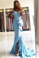 2021 빛 스카이 블루 인어 신부 들러리 드레스 어깨 측면 분할 스프레드 트레인 러프 가든 나라 웨딩 게스트 파티 가운 명예 드레스 하녀