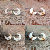 Unik Crescent Moon Stud Örhängen Mor Pearl Gemstone Post i Guld Sterling Silver Handgjorda Wire Wrapped Öra Bröllop Smycken 98 m2
