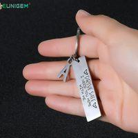 Gravur Schlüsselanhänger A-Z 26 Initialen Buchstaben Laufwerk Safe Drive Safe Ich brauche dich hier mit mir Für Paare Männer Frauen Geschenk Keychain