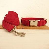 Glorious Kek Soft Daim Colliers de chien en cuir de daim réglable de collier de chien personnalisé en laisse de laisse en nylon rouge en nylon de château Bull Terrier Pugs LJ201113