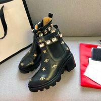 2020 새로운 럭셔리 여성 겨울 부츠 블랙 마틴 부츠 chunky 힐 womens 플랫폼 신발 부팅 디자이너 발목 부츠 수 놓은 꿀벌과 별