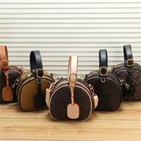 2021 패션 여성 핸드백 단일 어깨 가방 꽃 편지 태그 봄 새로운 도착 고품질 Whosale 대비 색상 숙녀 가방
