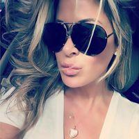 Kim kardashian metal preto óculos de sol mulheres projeto luxo piloto mens sol óculos rua tons moda lente clara condução vidro1