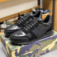 2021 Top Quality Camuflagem Sneaker Womens Mens Rivet Sapatos Studded Flats Malha Cama Camo Camurça Treinadores Casuais Rockrunner Tênis