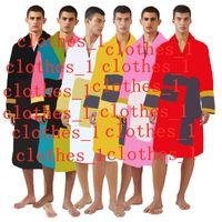 Uomo Black Sleepwear Abiti Accappatoi Unisex 100% cotone Night Robe Robe di buona qualità Robe Robe Robe di lusso Traspirante Elegante Abbigliamento donna 1739