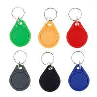 Contrôle d'accès d'empreintes digitales 100pcs RFID Keyfobs 13.56 MHz Keychains MHz Tags NFC ISO14443A MF Classic® 1k Jeton SmartCard SmartCard SIX COULEURS1