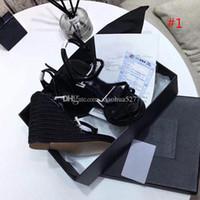 Calidad clásica clásica europea estilo de lujo sandalias de mujer zapatillas de moda sandalia sexy estilo de punto de punto cosido y cinturón