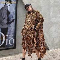 Kadın Zebra Şerit Bluz Uzun Kollu Gevşek Artı Boyutu Gömlek Elbise Düzensiz Yan Yüksek Bölünmüş Streetwear Trend Vahşi Kadın Giyim1