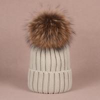 الجملة قبعة جديدة الشتاء قبعات محبوك القبعات الهيب هوب الرجال gorro بونيه المرأة بيني الفراء pompoms الدافئة الجمجمة قبعة snapback pompon