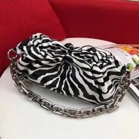 Lady Zebra Wholesale Moda de lujo Diseñador Plisado Llegada Western Designer-New Wallet Bolsas Tarjeta de arrugas Hombro Hombro Pouc IBSAA