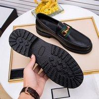 Cuero genuino masculino Zapatos casuales para hombre Mocasines 2020 Mocasín de deslizamiento Zapatos de conducción Negro Red Boda diseñadores formales Vestir zapatillas de deporte