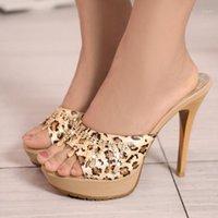 Zapatillas de verano tacones altos mujeres zapatillas sexy moda leopardo lujo rhinestone sandalias plataforma casual chanclas zapatos al aire libre1